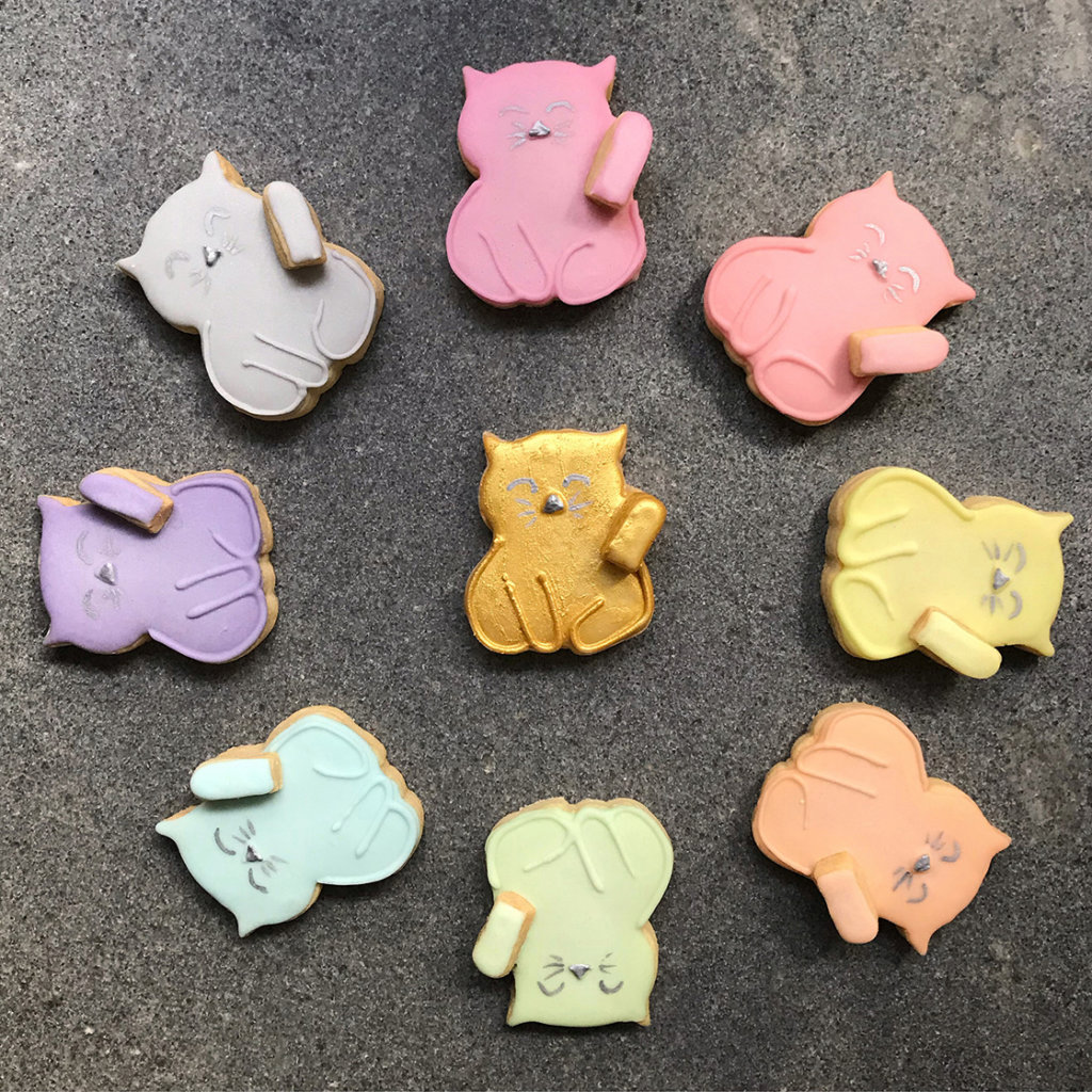 , Royal icing cookie DIY: Rainbow cute waving cats