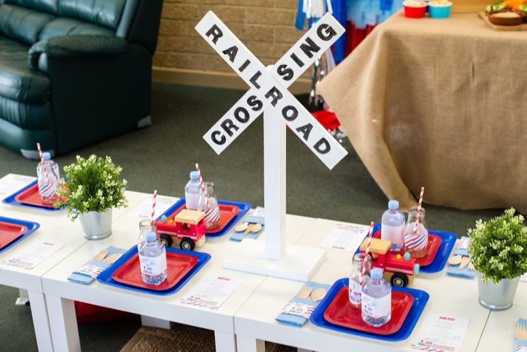 retro train party, Samuel's retro train party – choo choo!