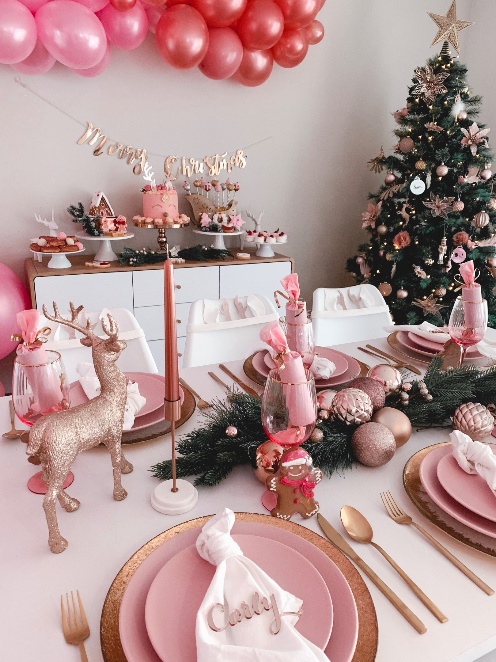 Modern rose gold Christmas table