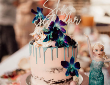Modern styled Frozen birthday, Modern styled Frozen birthday party: Isla turns three!