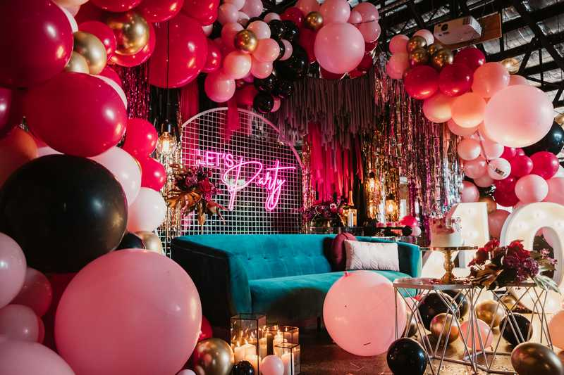 moody burgundy 40th birthday, A moody burgundy 40th birthday party – fierce at 40