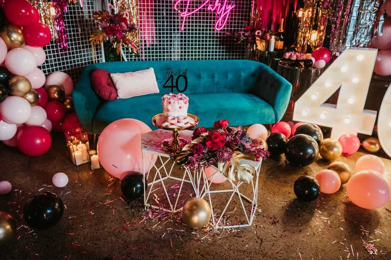 A moody burgundy 40th birthday party – fierce at 40