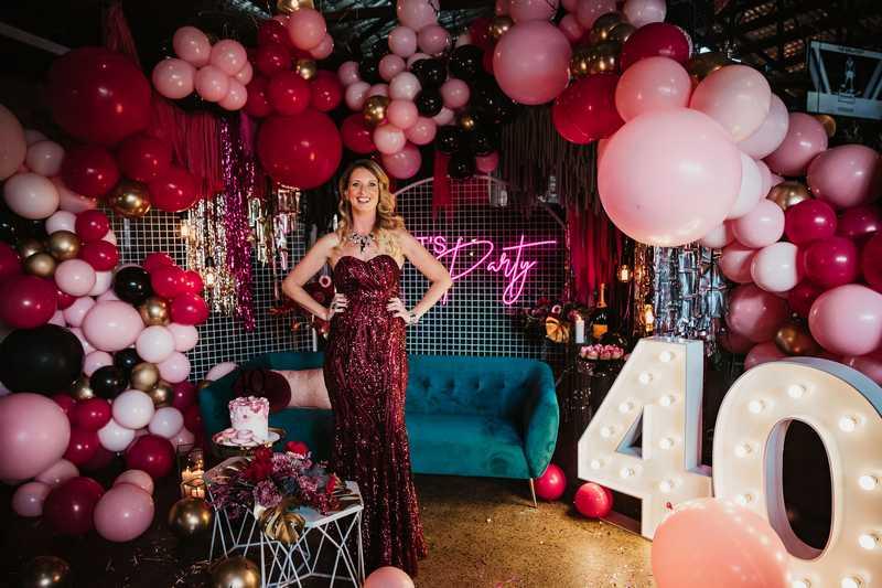 A moody burgundy 40th birthday party – fierce at 40