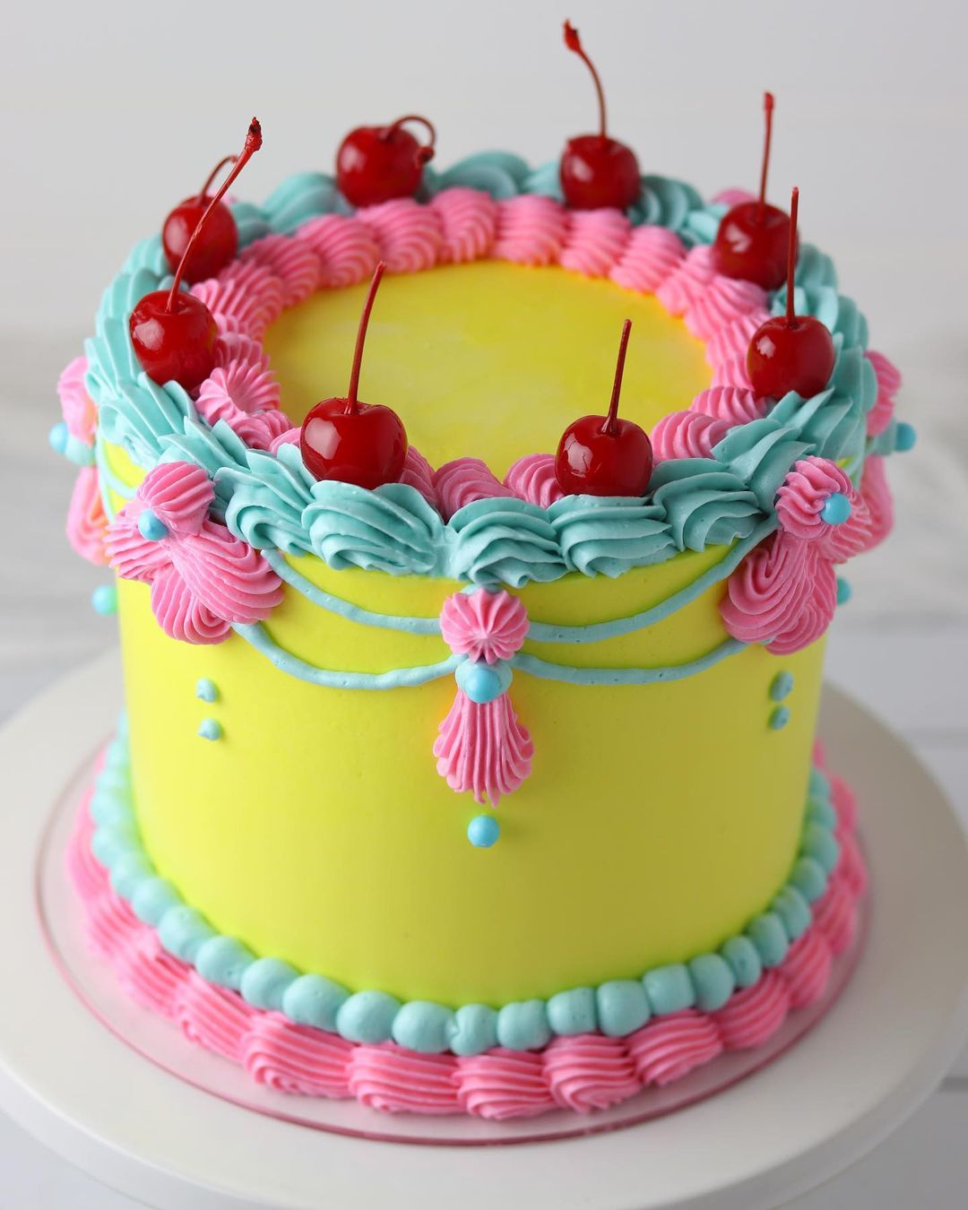 vintage piped cakes, All about vintage piped cakes (cake inspiration)